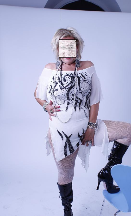 Annunci con foto nude picture 58