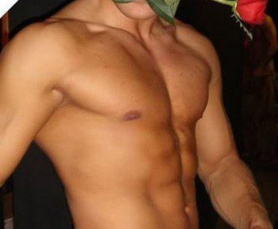 gay roma escort escort bodybuilder